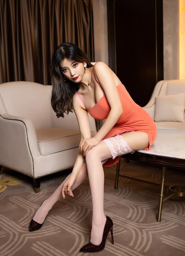 性感女神杨晨晨sugar蕾丝美腿写真套图欣赏 秀人第一女神