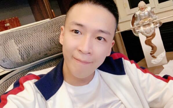 主播刘一手就违背YY直播平台合约发表致歉信