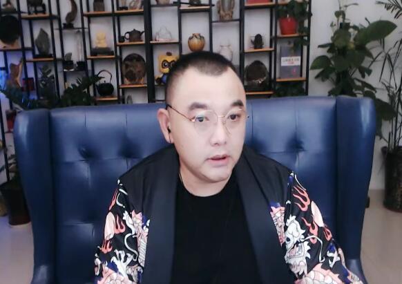 快乐哥称没有于利有钱,与芒果TV合作,公会将搬迁至湖南