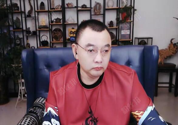 快乐哥为人低调,于利亲自证实,他YY大小号消费达4000万