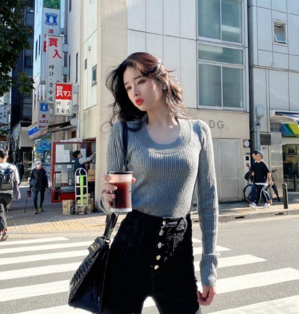 """微博网红Fancystyle直播走光,事后调侃故意,""""胸型""""特别美"""