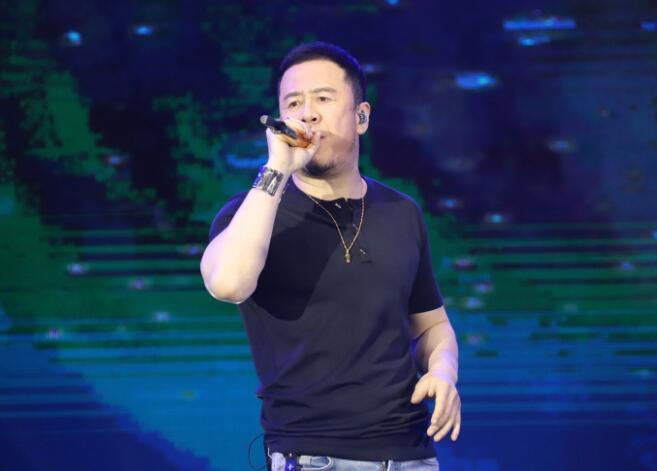 """出席国外金边演唱会,被传只有100个观众,王冕急了""""晒""""证据"""