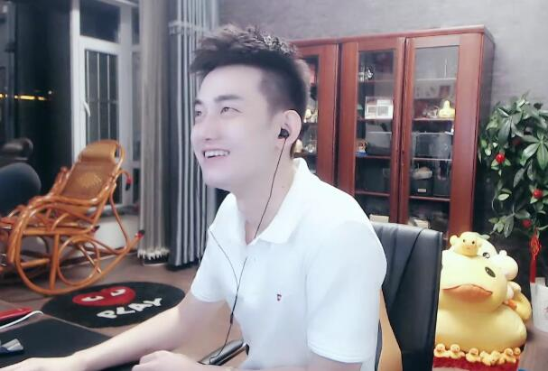 """上海会面任平生后,李先生放弃年度,将心悦对手推给""""456""""公会"""