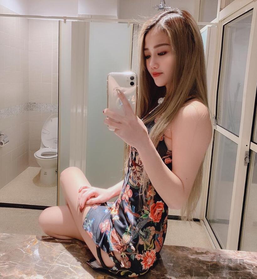 网红女神chinhbaby生活照写真,swag主播chinhba