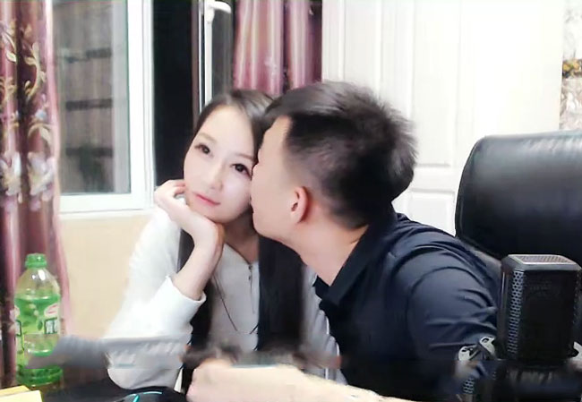 舞帝小白龙和女友赵小溪复合,年仅19岁明年结婚,粉丝评论能超过半年吗