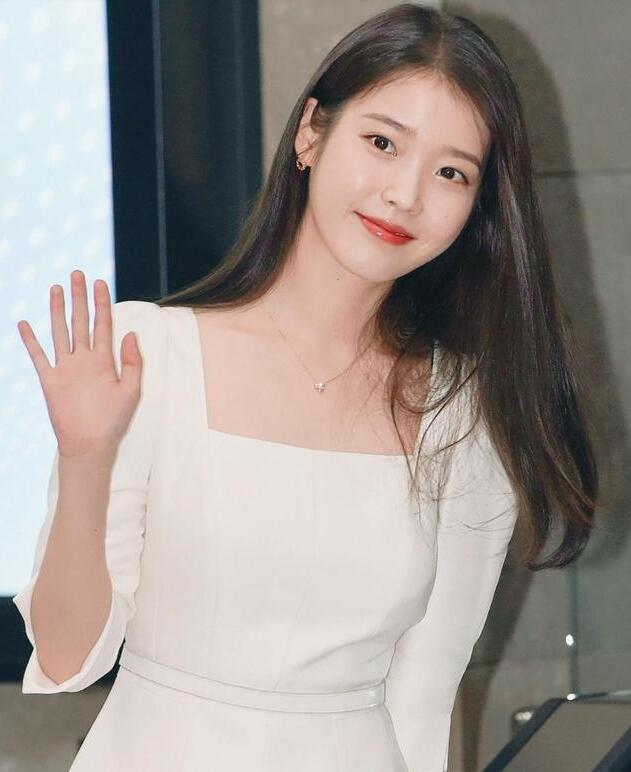 易烊千玺火到韩国!韩国女星IU推荐少年的你,这部电影女神也爱了