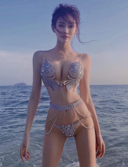 """YY女神芮甜甜最新高清福利写真套图,粉丝评论这真真的""""镶钻""""了!"""