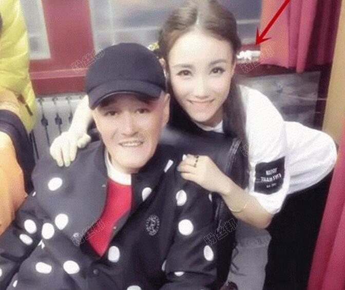 做过YY的一姐,赵文静将回归现实拍电影,将与师父赵本山多接触沟通
