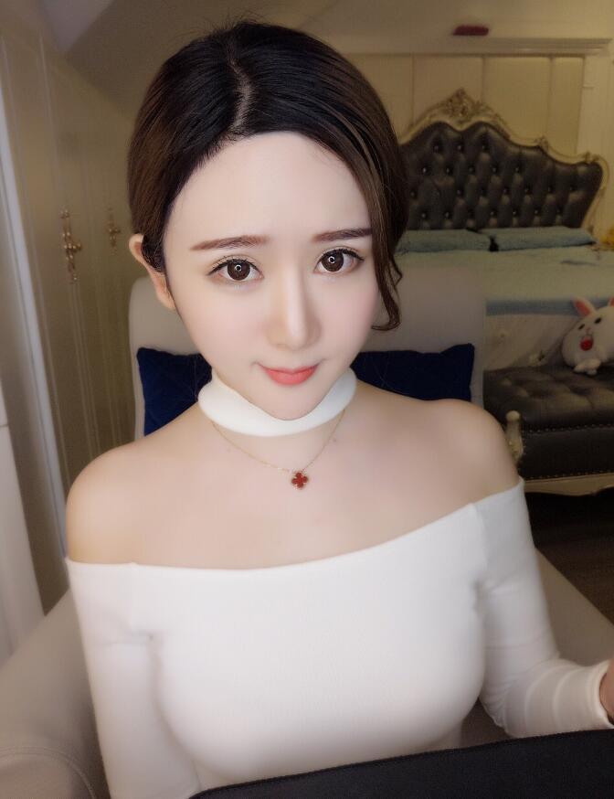 主播罗梦轩Vc图片写真 罗梦轩Vc微博照片欣赏