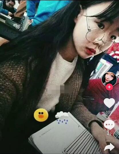 抖音17岁美女温婉个人资料简介 才艺相貌双全小温婉照片微博写真
