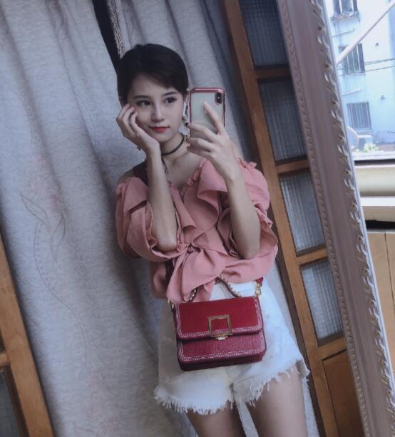 龙珠TV小彤Layla个人资料简介 游戏解说小彤微博直播间照片